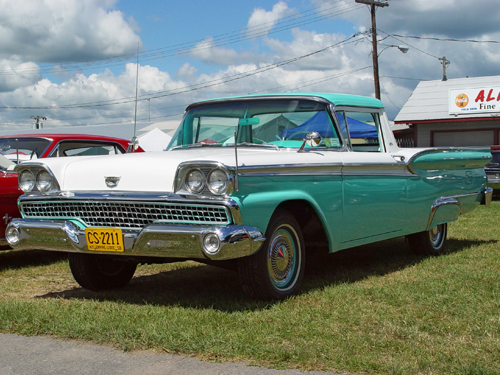 1959 Ford Ranchero - Green & White - Front Angle