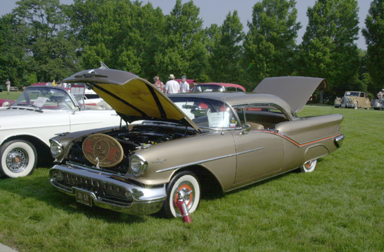 Oldsmobile 98 Starfire Holiday Coupe. View Download Wallpaper. 640x420