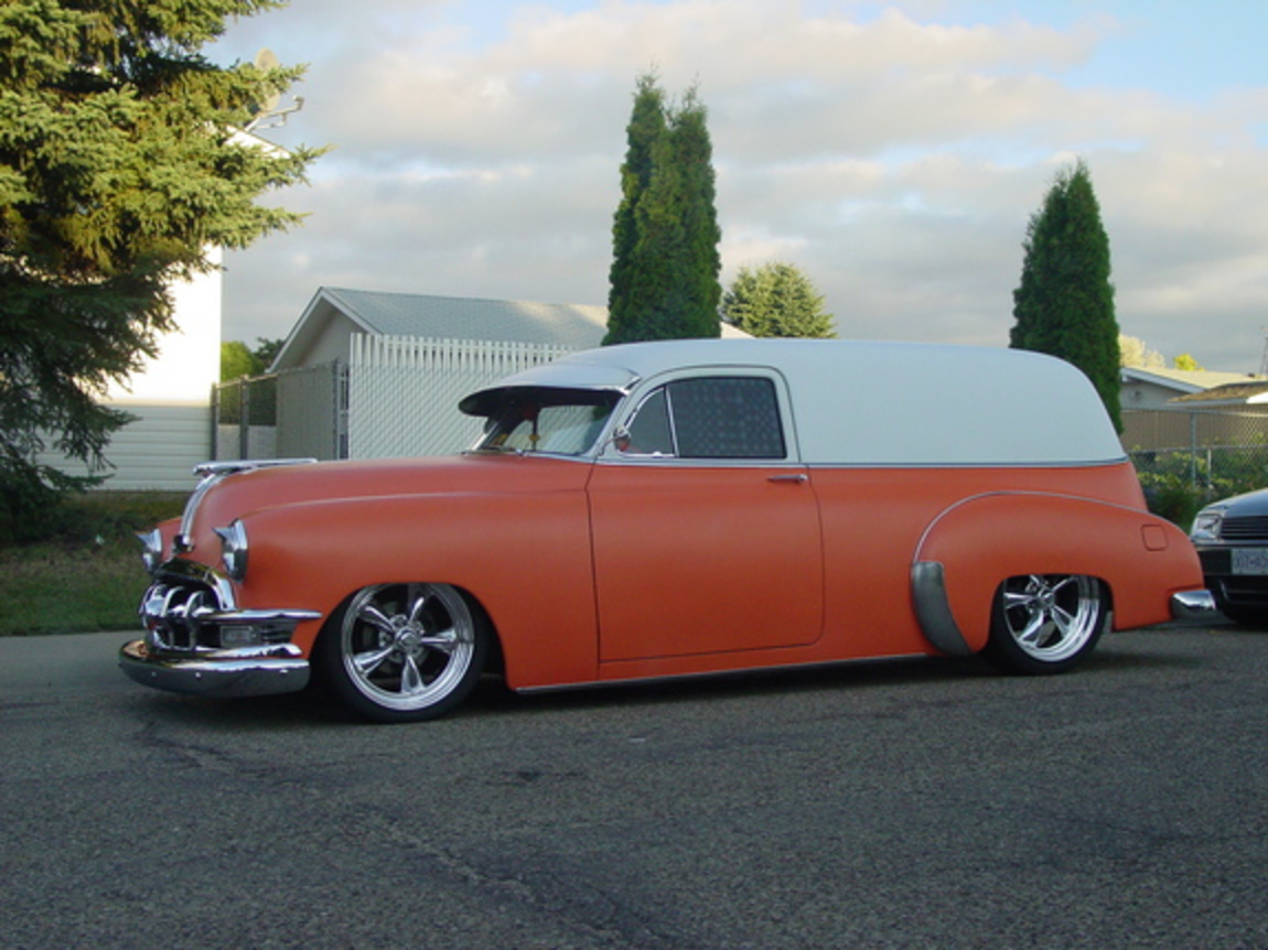 1950 PONTIAC SEDAN DELIVERY Body dropped,air bagged, 383 stroker,turbo 350