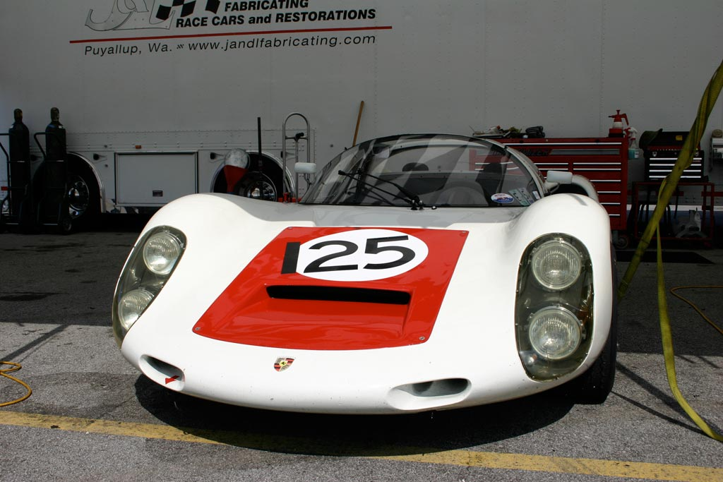 dead in my tracks—along with everyone else that passed—the Porsche 910.