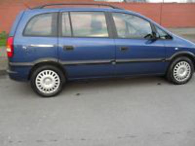 2002 opel zafria. lovely navy blue zafria  1.6 petrol cd player electric