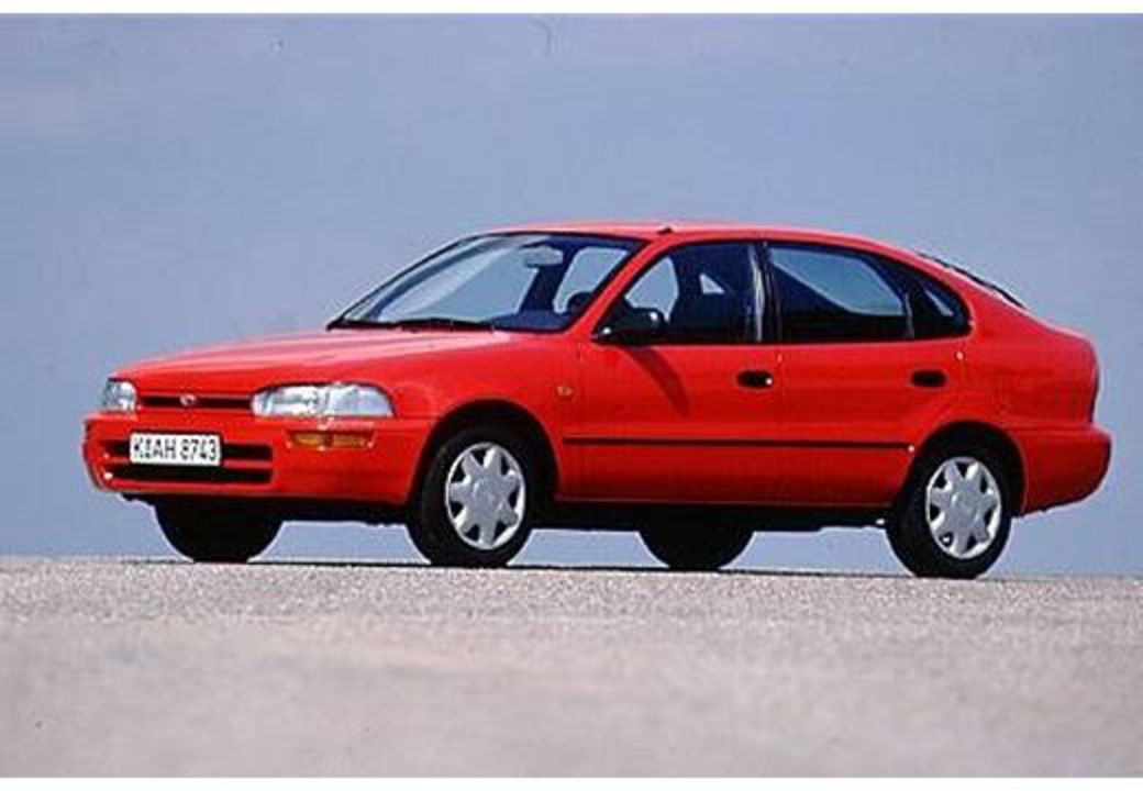 Toyota Corolla Liftback SE - huge collection of cars, auto news and reviews,