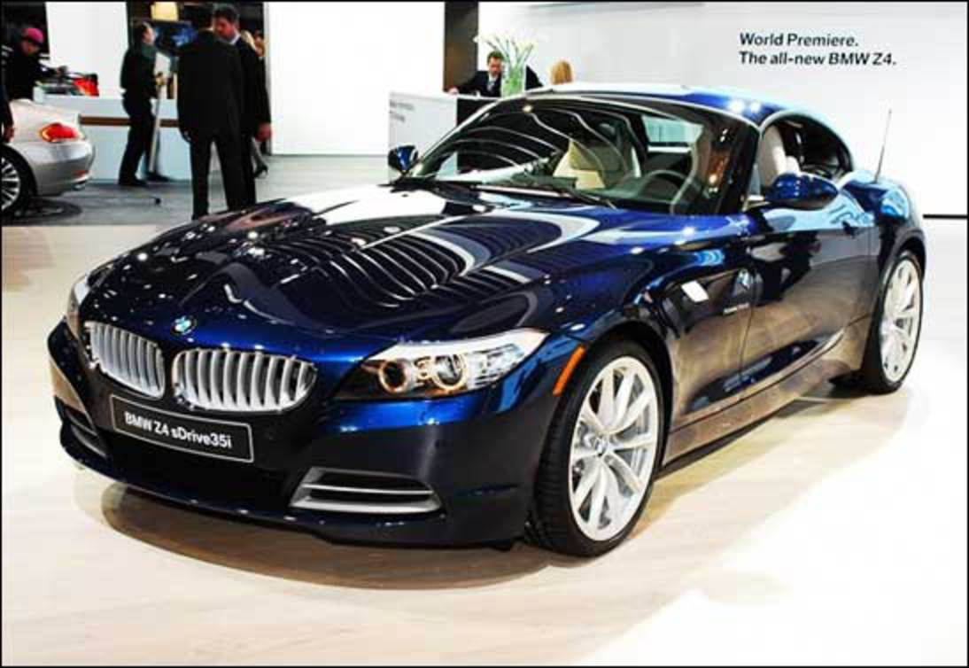 BMW Z4 sDrive35i Roadster has stunning looks that will sweep you off your