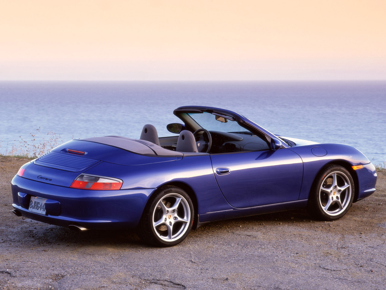 Porsche 911 Carrera Cabriolet 800x600 Wallpaper