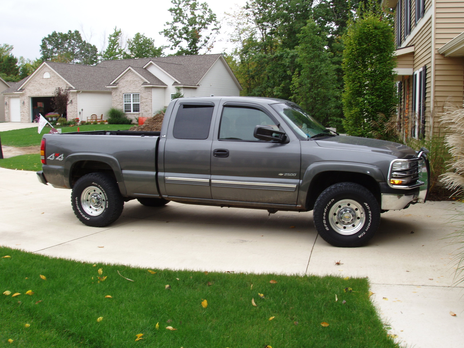 2000 Chevrolet Silverado 2500 3 Dr LS 4WD Extended Cab SB HD picture,