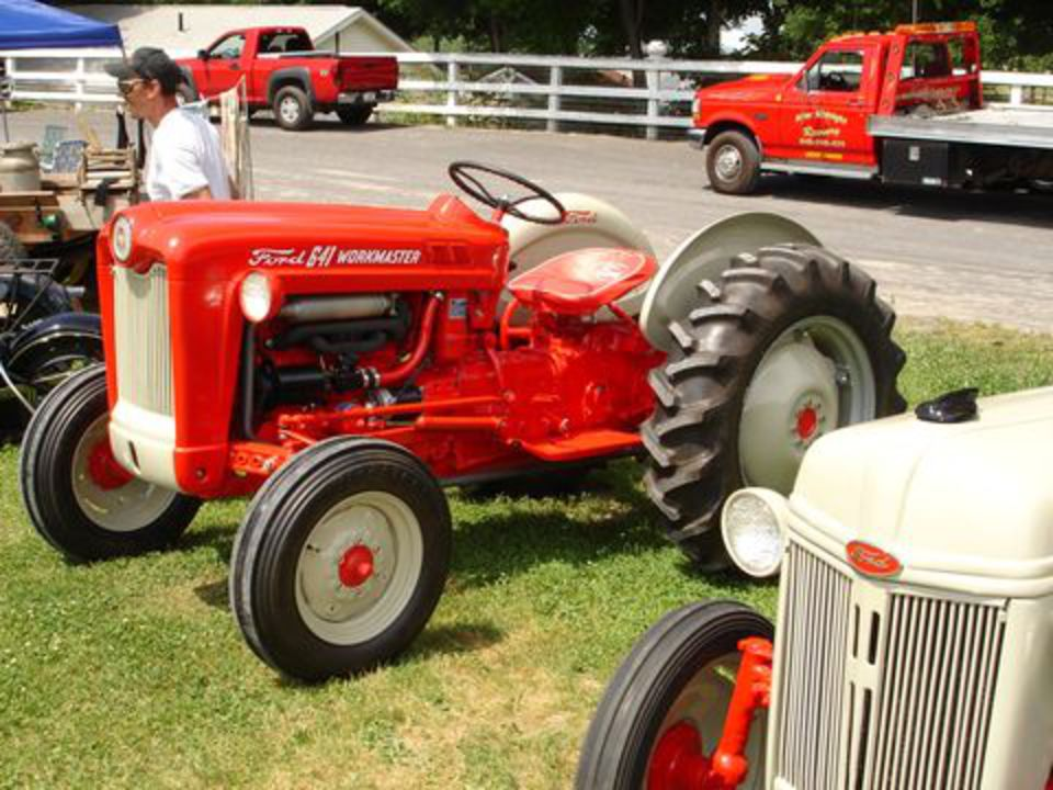 The Ford 600 series tractors were equipped with