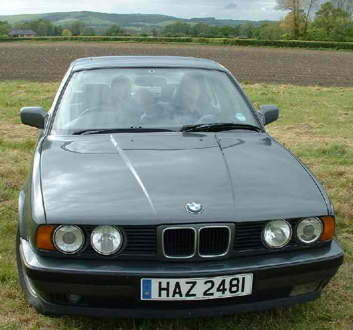 BMW 525i CAR FOR SALE IN SUSSEX EXECUTIVE SALOON | SOLAR NAVIGATOR WORLD