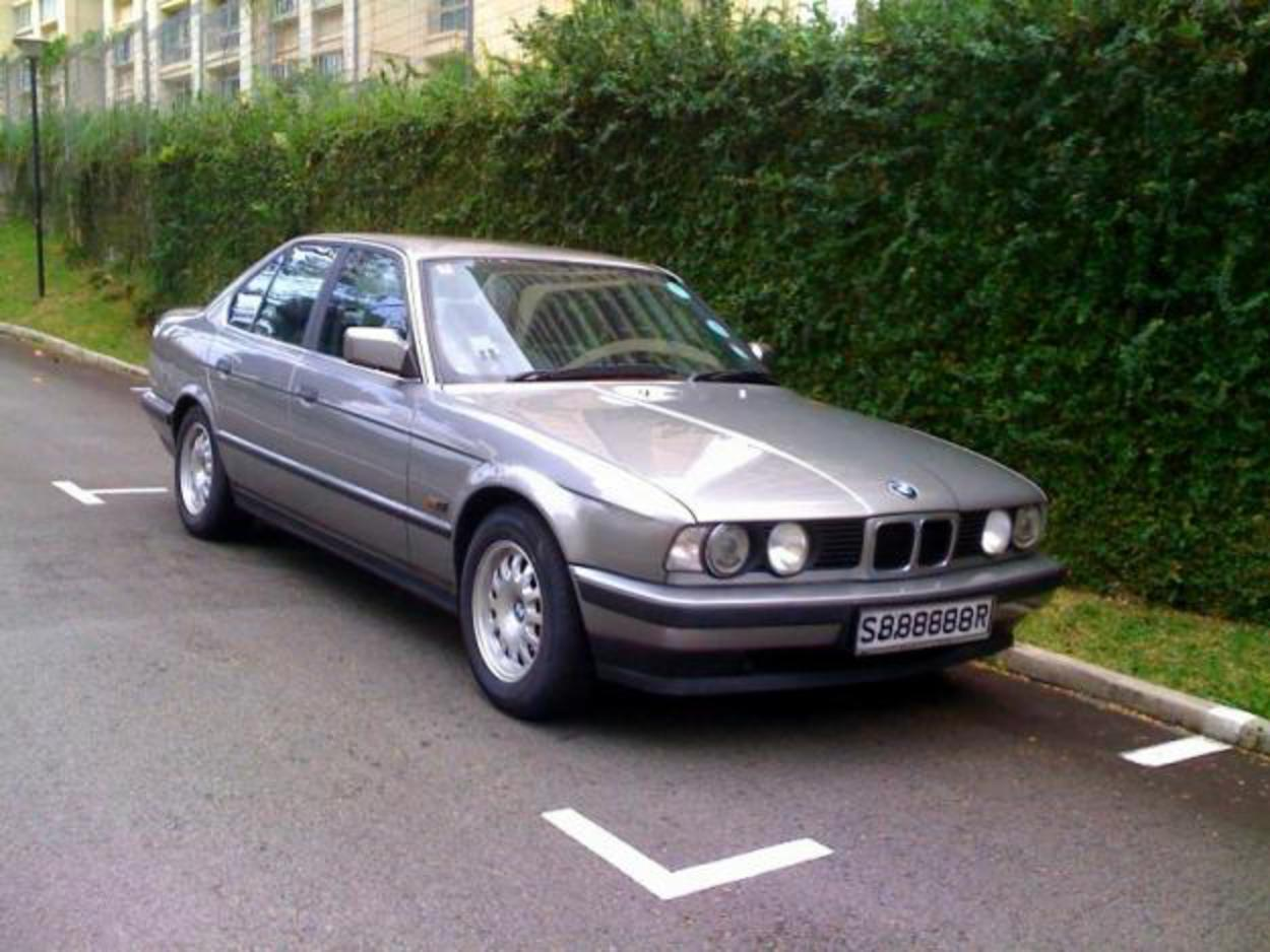 Pictures of For sale: BMW 520iA. S$18,000