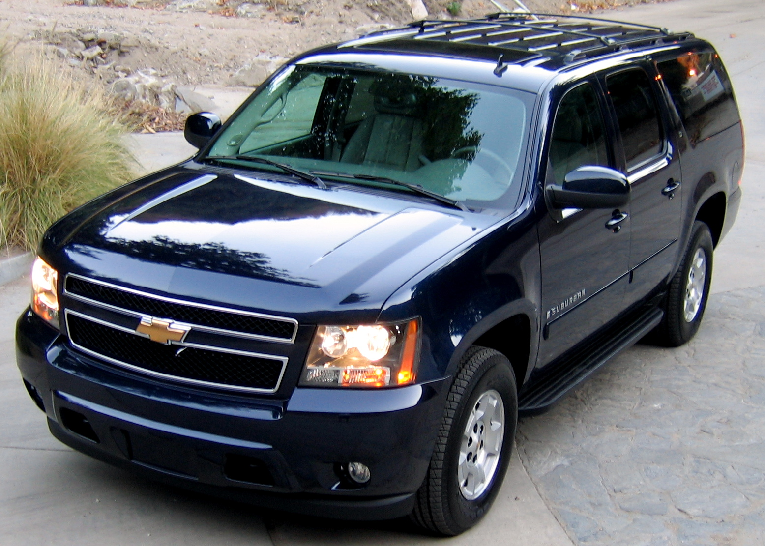 Chevrolet Suburban Car Specifications