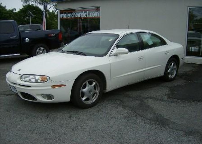 2003 Oldsmobile Aurora 4.0 for Sale in Greenwich, New York .