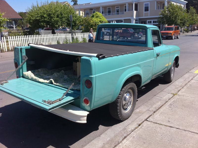 OLD PARKED CARS.: 1963 Studebaker Champ.