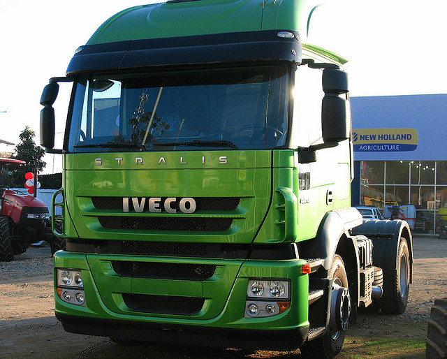 Wallpaper #3 of 6 - Enjoy these pictures & wallpapers of the Iveco Stralis