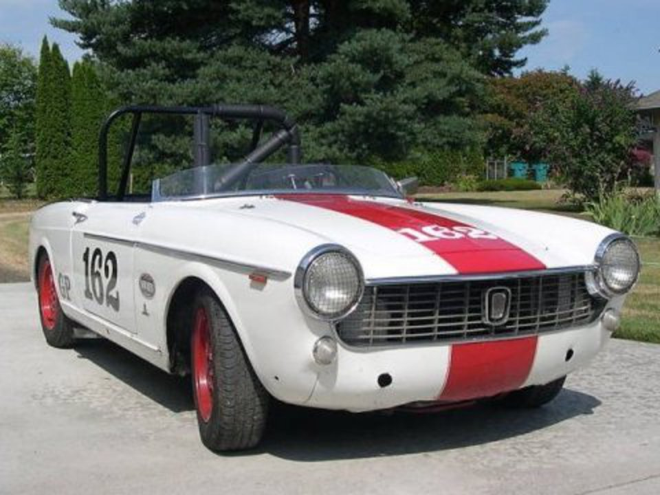 1965 Fiat 1500 Spider Vintage Race Car For Sale Front