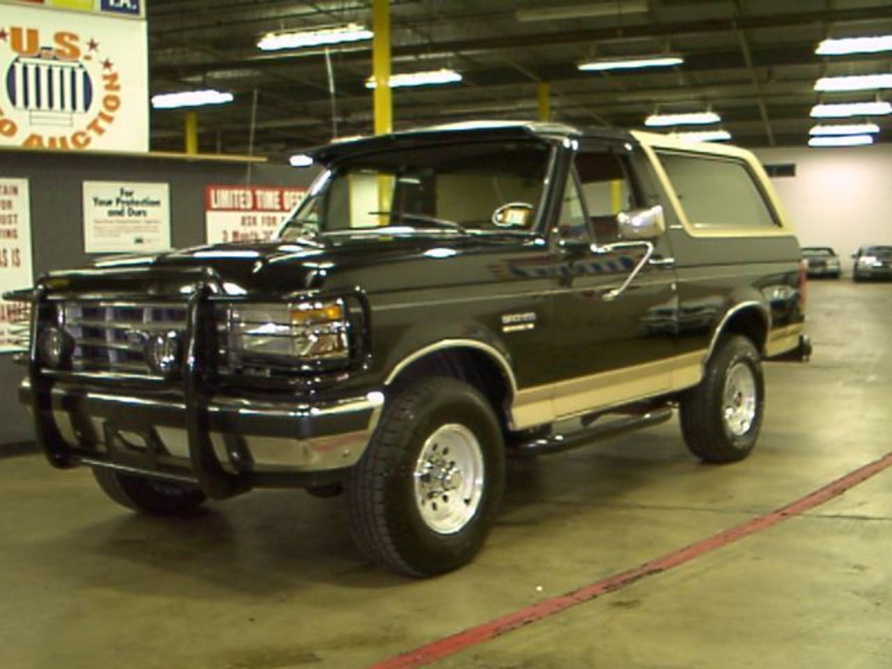 TopWorldAuto >> Photos of Ford Bronco Eddie Bauer - photo ...