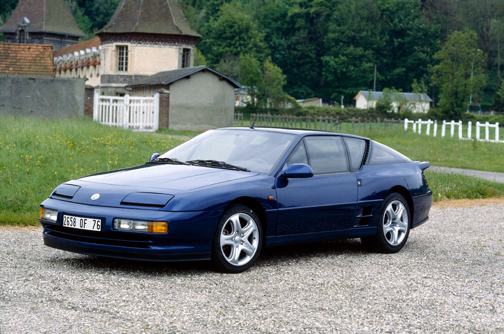 File:Alpine A610.jpeg - Wikimedia Commons