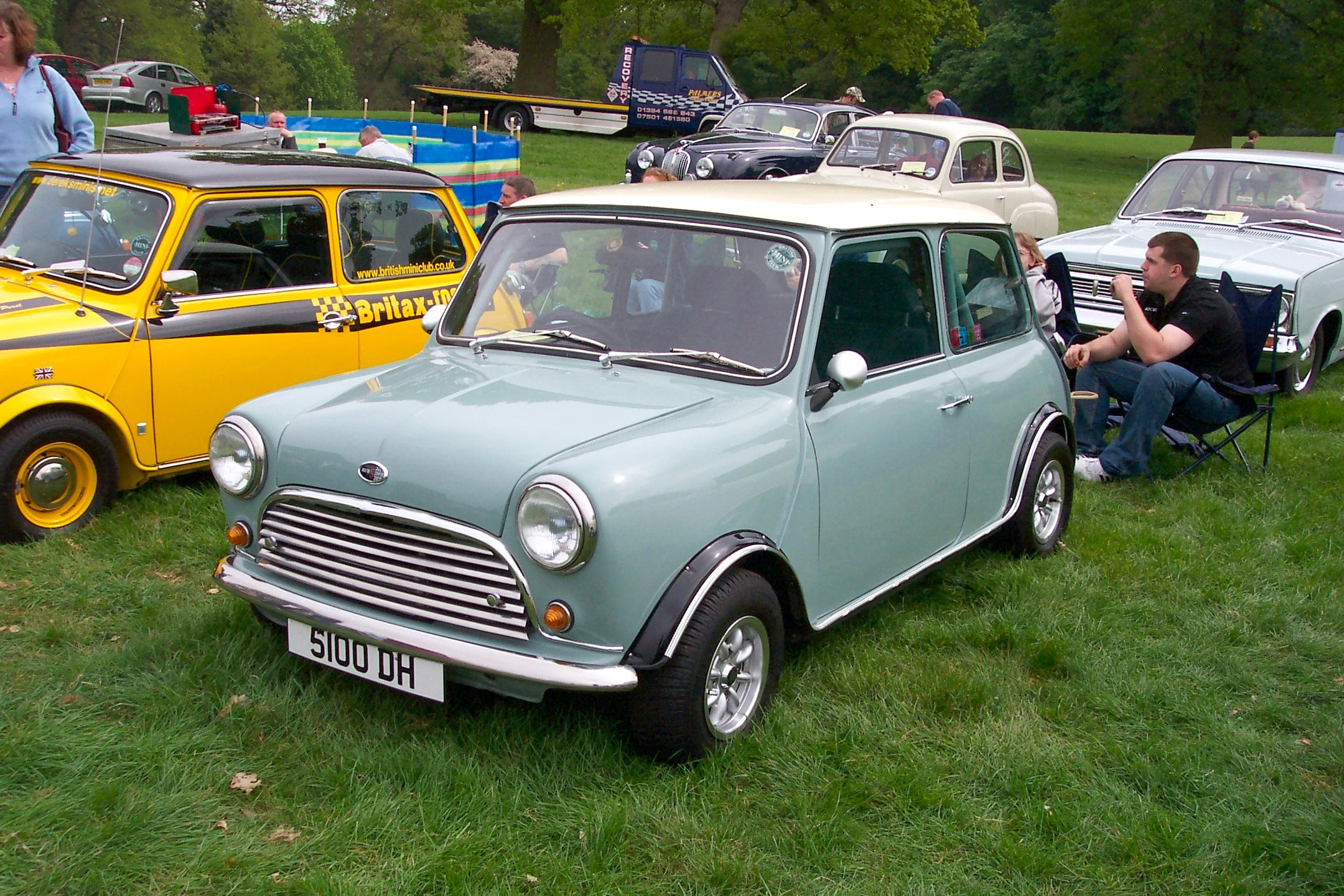 topworldauto photos of austin mini 1300 cooper s photo galleries. Black Bedroom Furniture Sets. Home Design Ideas