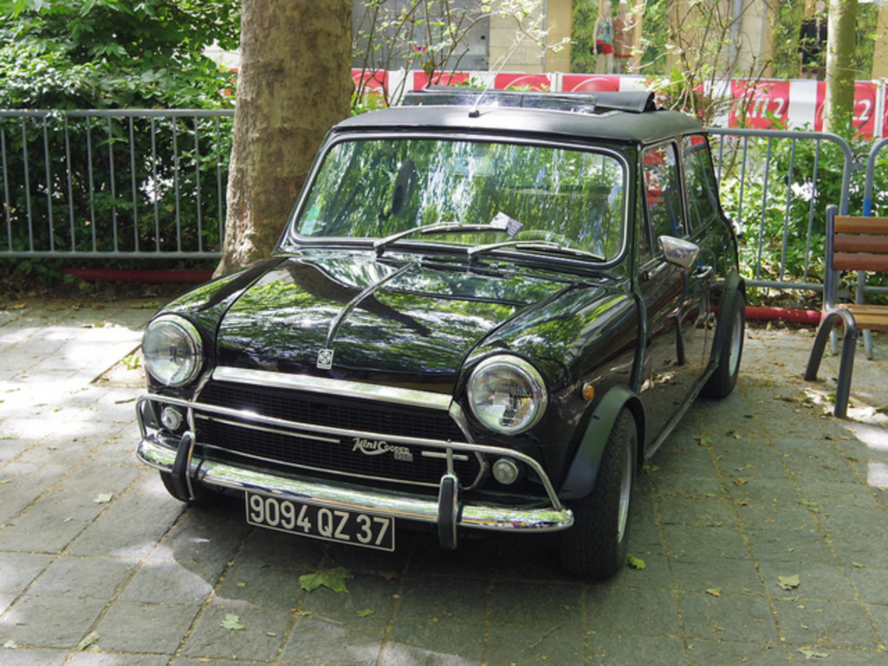 Austin Mini Cooper 1300 de 1979 9094 QZ 37 - 16 juin 2013 (Grand ...