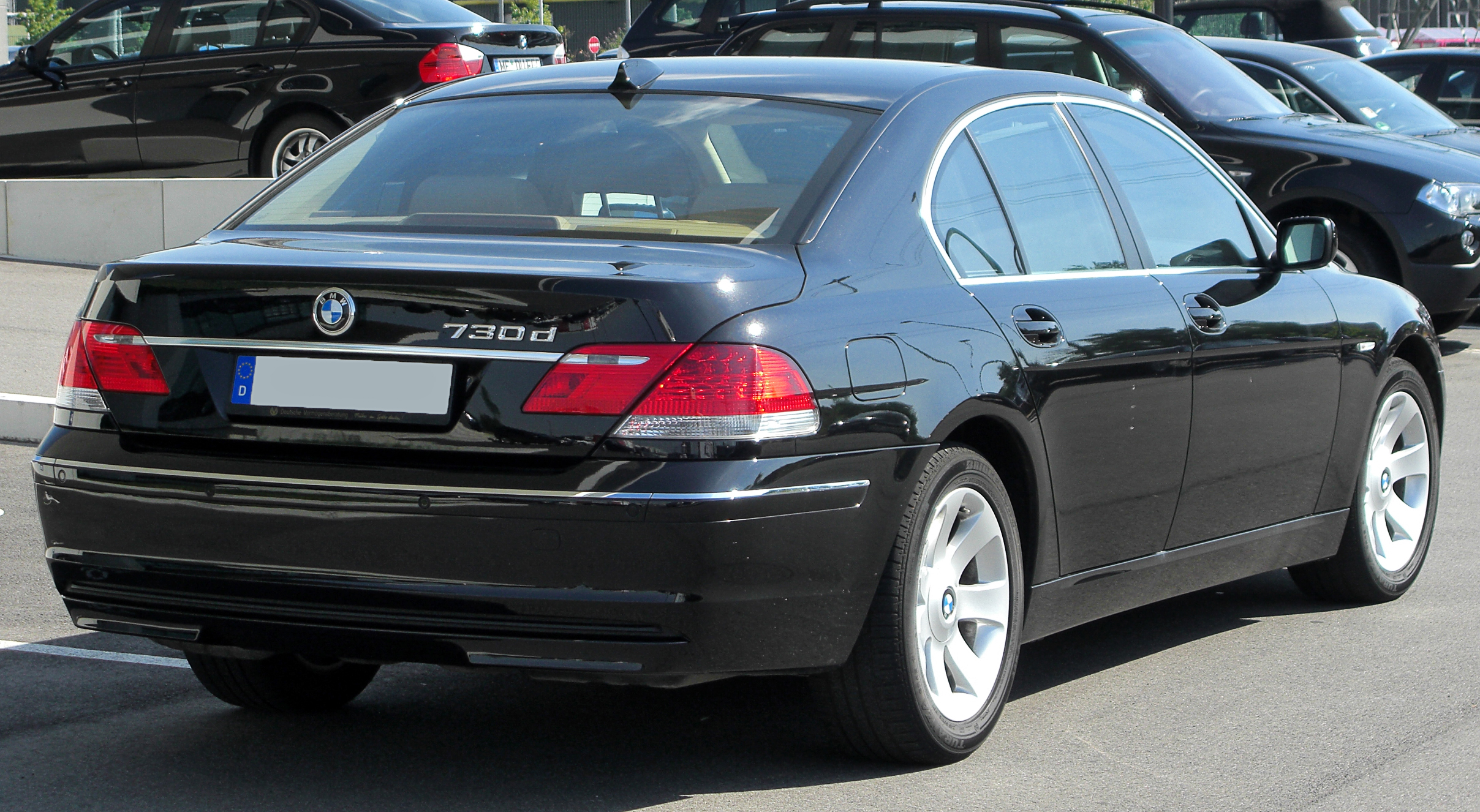 File:BMW 730d (E65) Facelift rear 20100718.jpg - Wikimedia Commons