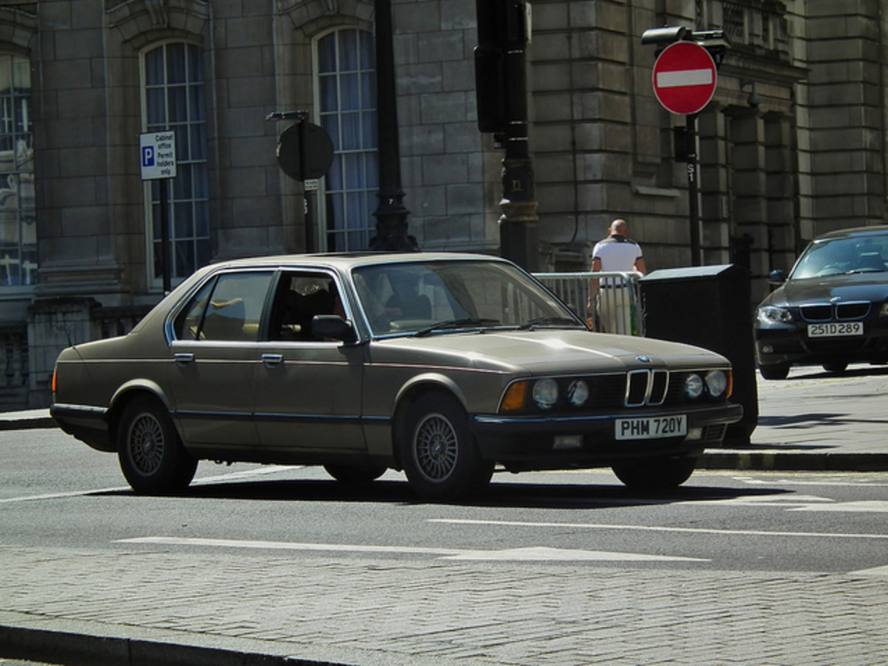 BMW 732i | Flickr - Photo Sharing!