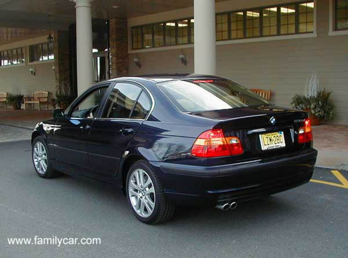 Bmw 330xi. Best photos and information of model.