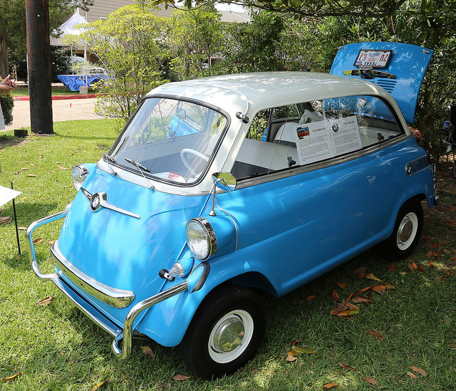 Flickr: The BMW Isetta Pool