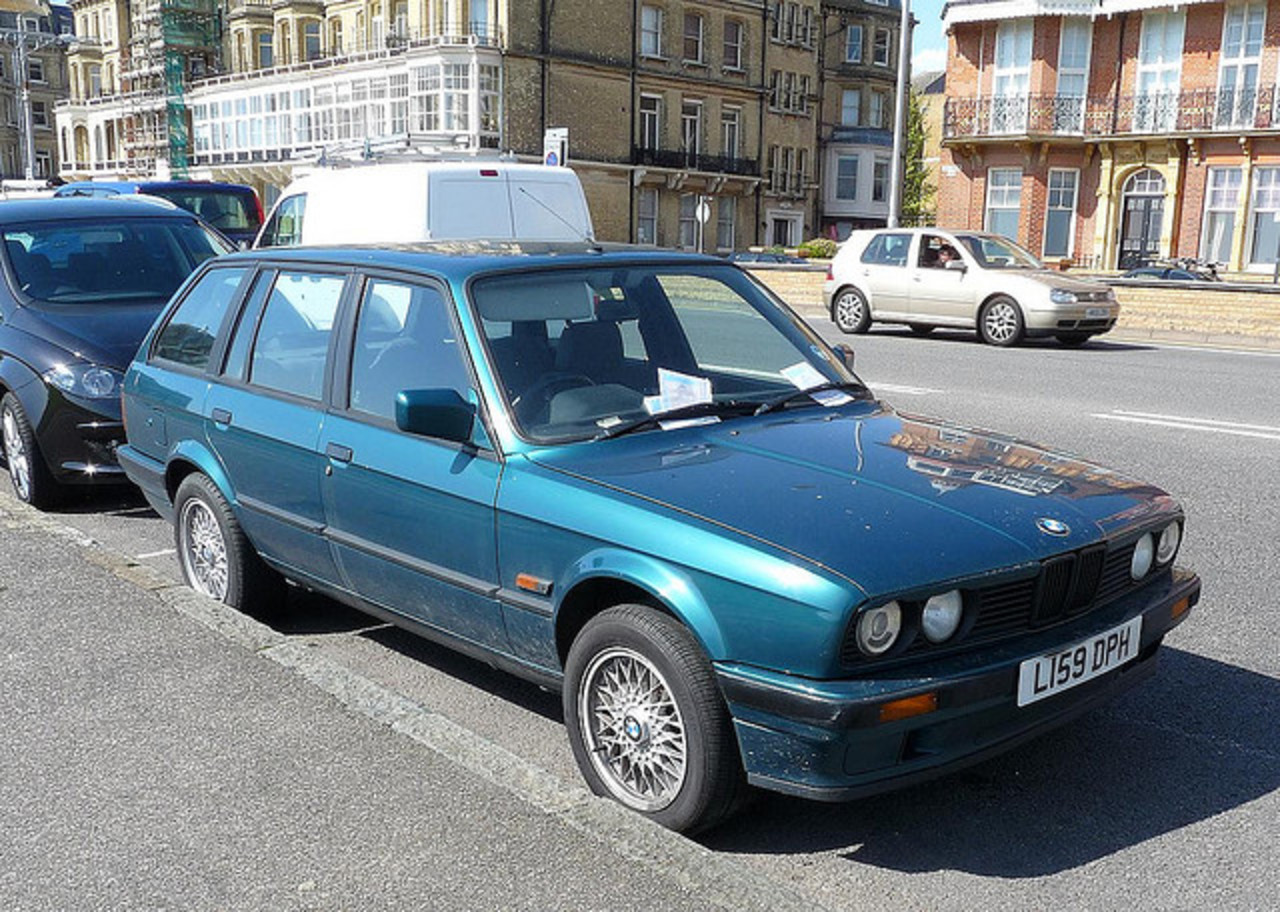 BMW 318 E30 Touring 1994 abandoned | Flickr - Photo Sharing!