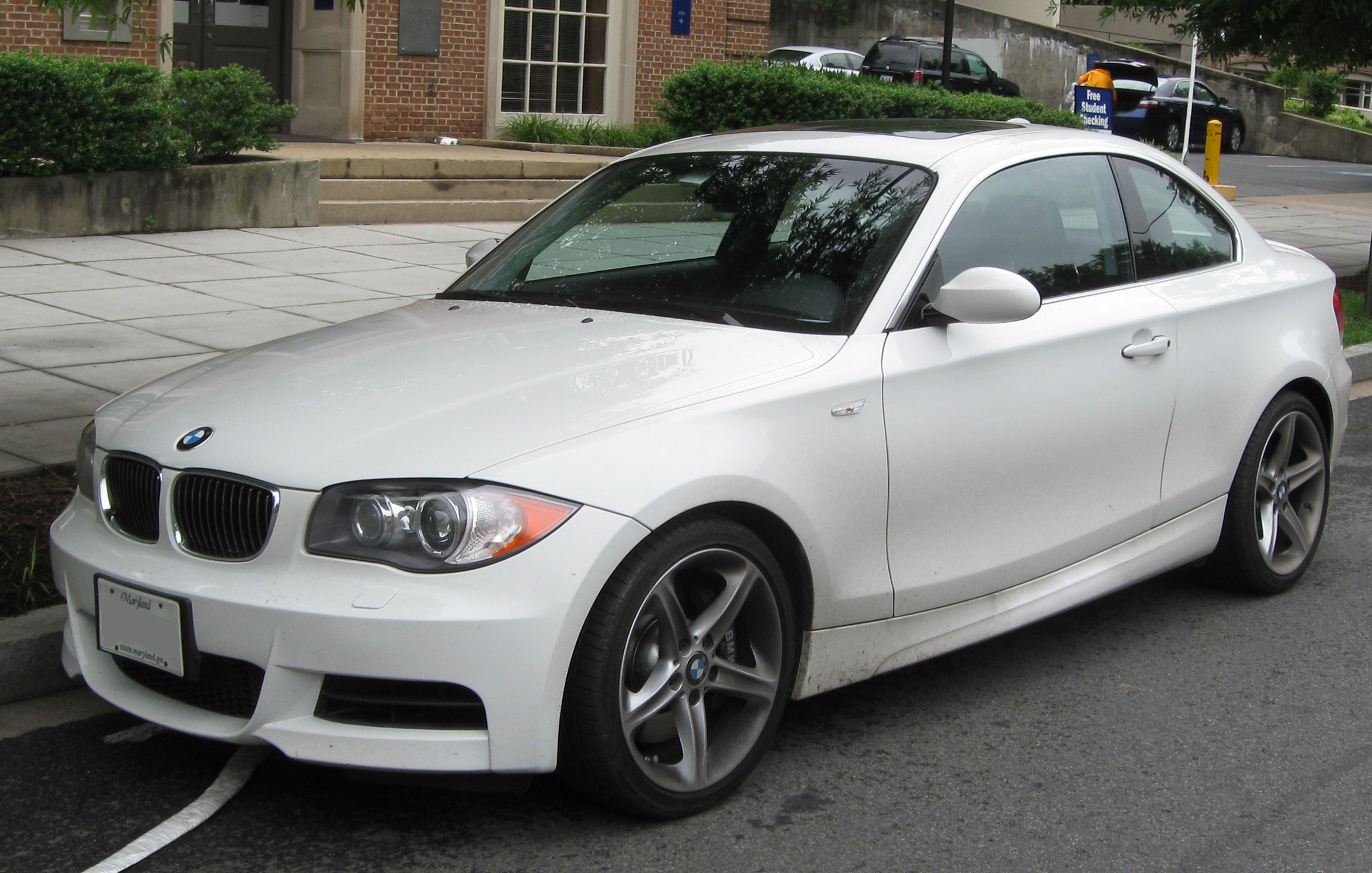 File:BMW 135i coupe.jpg - Wikimedia Commons