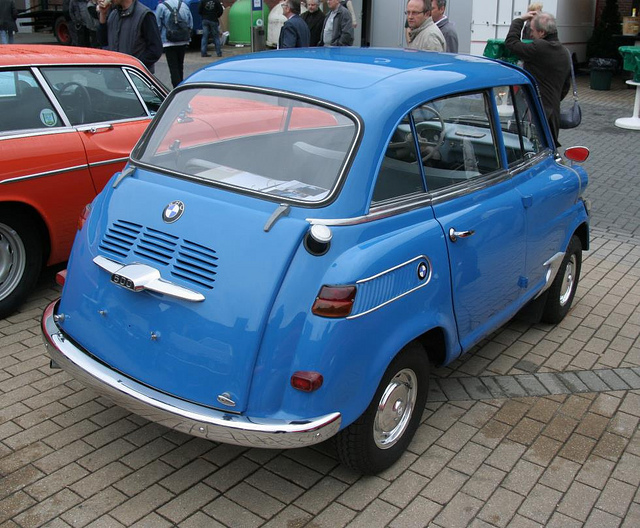 TCE2011 - BMW 600 Isetta 1958 - 2 | Flickr - Photo Sharing!