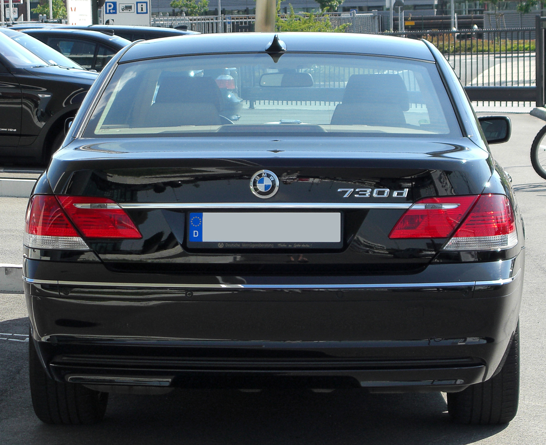 File:BMW 730d (E65) Facelift rear-1 20100718.jpg - Wikimedia Commons