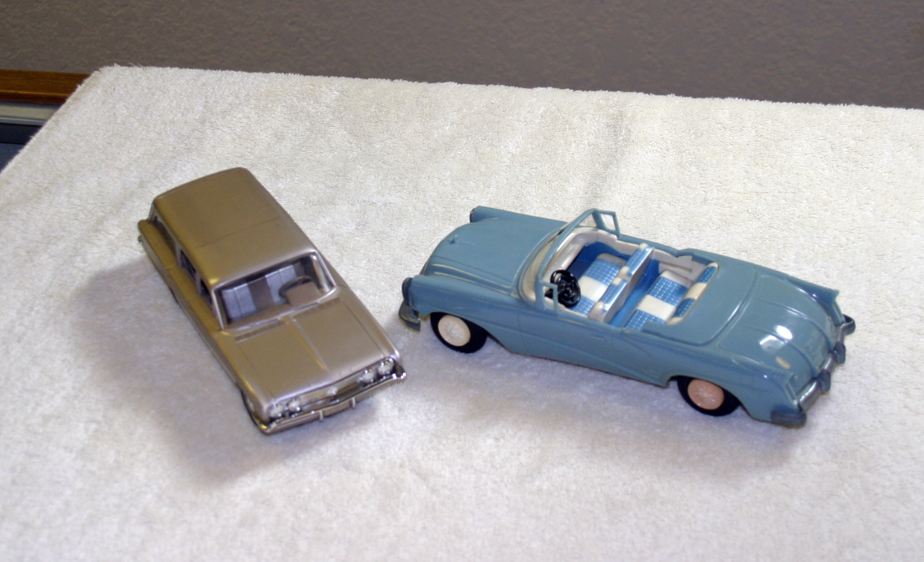 1962 Buick Special Station Wagon and 1954 Buick Skylark ...