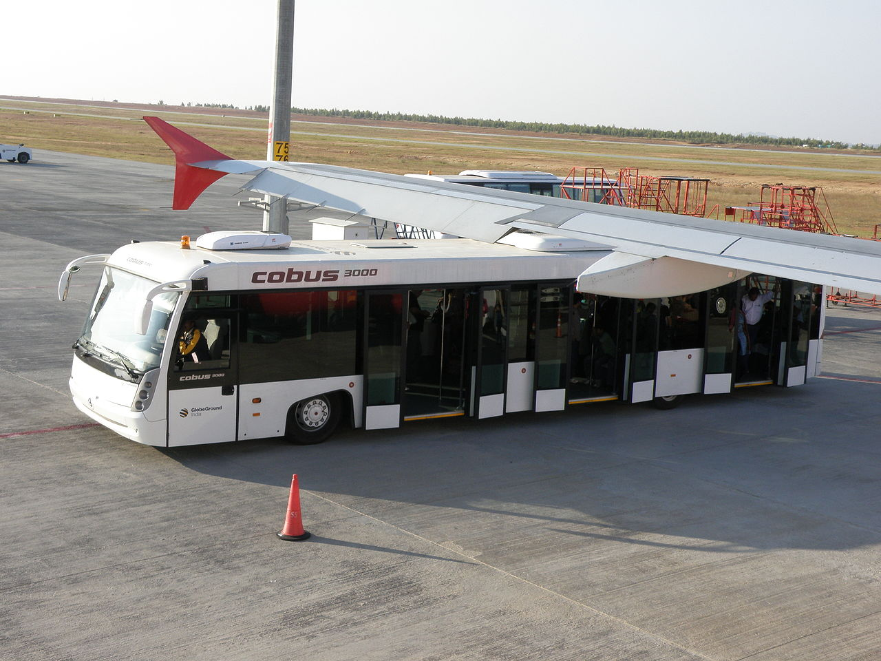 File:Cobus 3000 at Bengaluru International Airport.JPG - Wikimedia ...