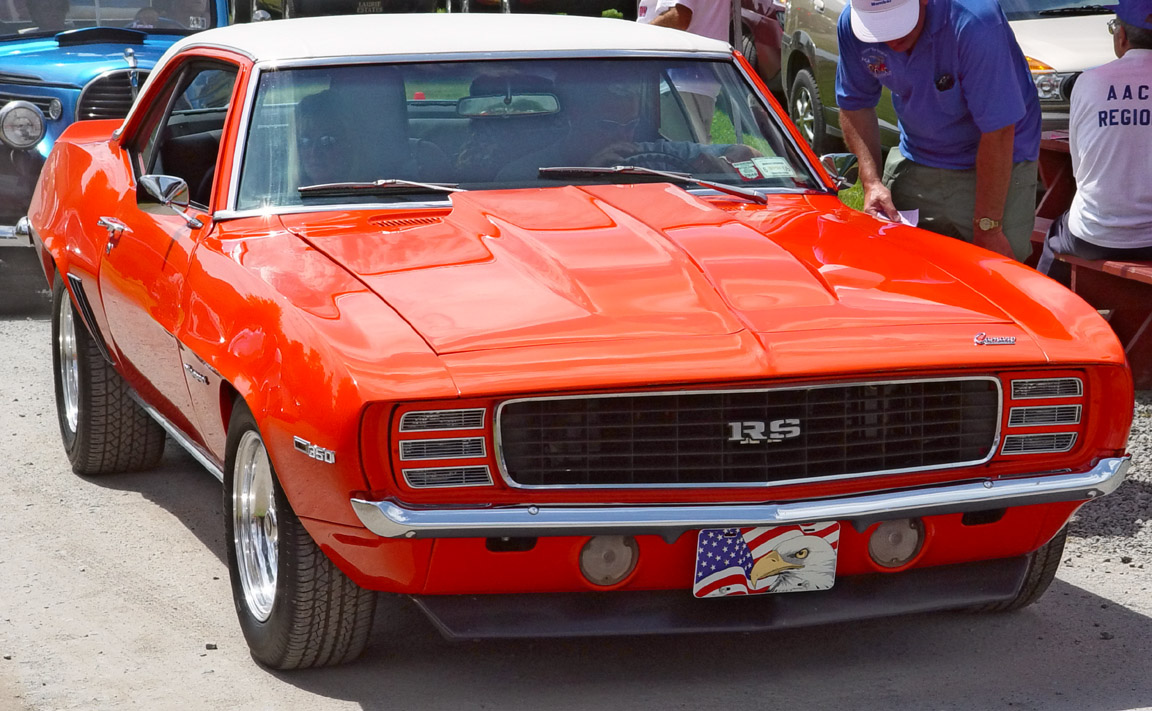 1969 Chevrolet Camaro RS/SS - Red - Front