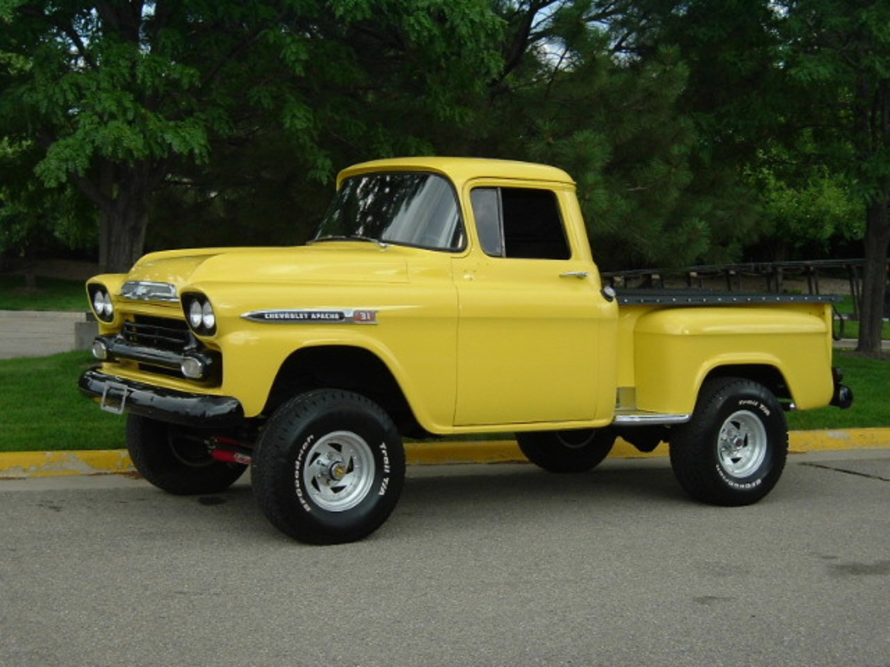 1959 Chevrolet Apache 31 Step Side Pick Up 4x4 Conversion