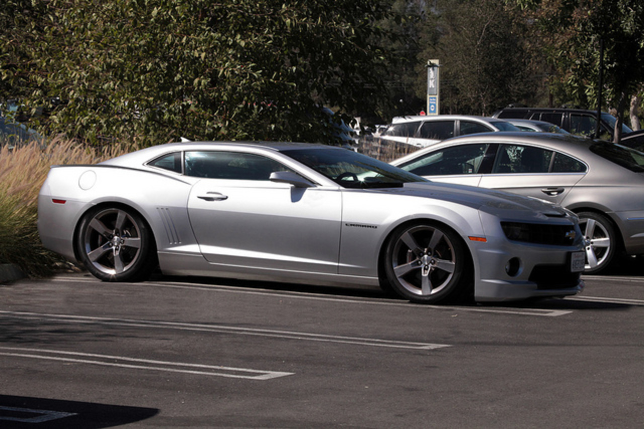 Customised 2012 Chevrolet Camaro SS. Slammed (Lowered) and chopped ...