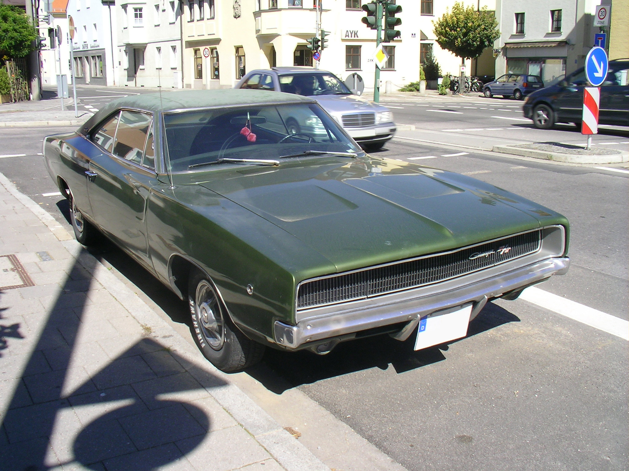 File:Dodge Charger RT 1968.Front.jpg - Wikimedia Commons