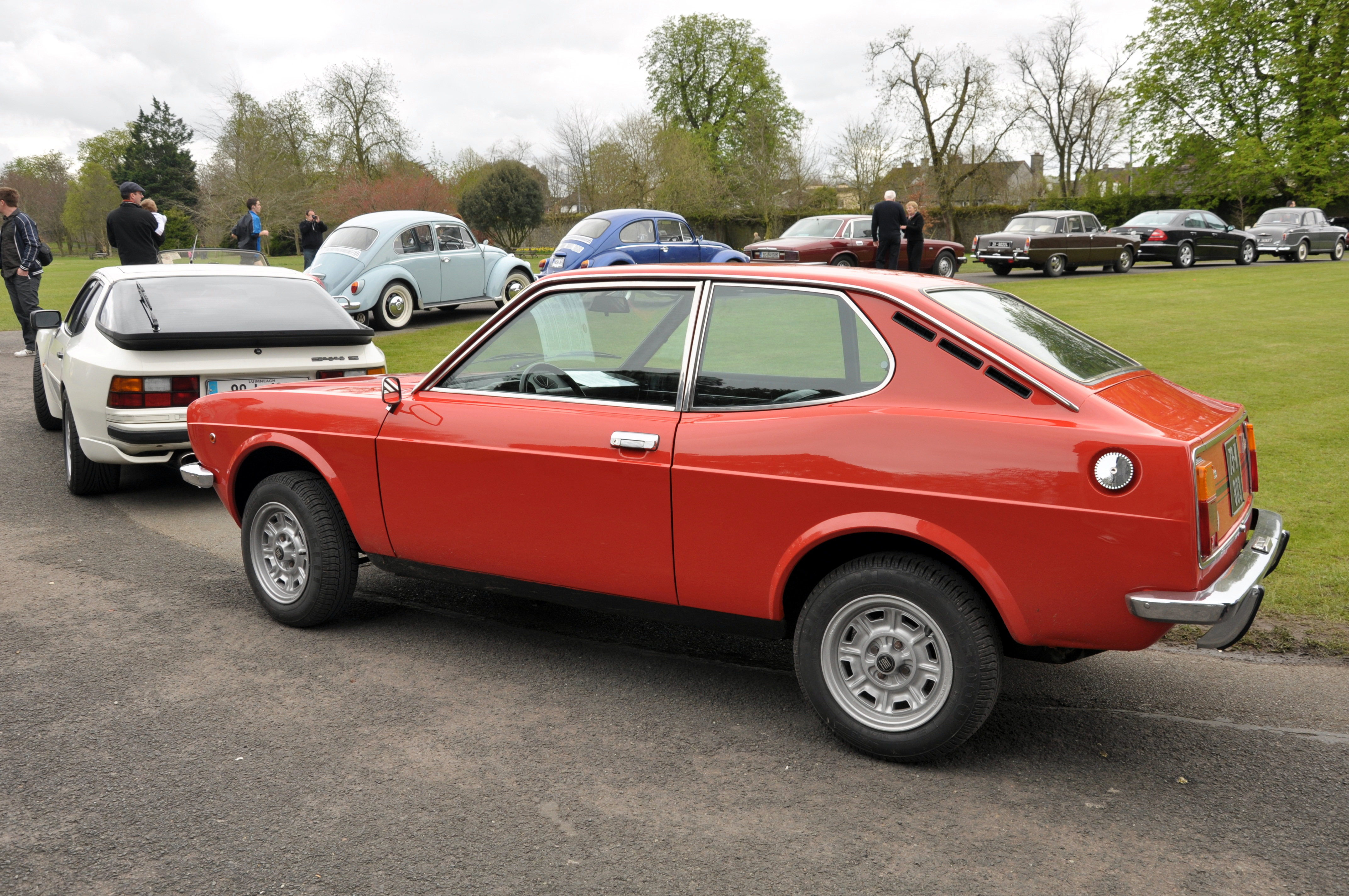 File:FIat 128 Coupe.jpg - Wikimedia Commons