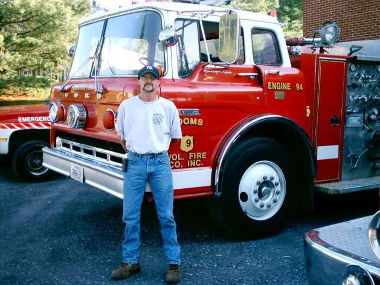 ex dooms vol fire dept 1975 ford c 8000 seagrave pumper tanker ...