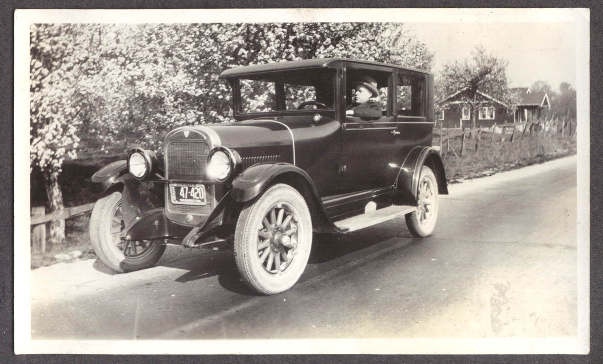 Raymond Wallace Hudson 2-dr Sedan 1926 WA 47-420 photo
