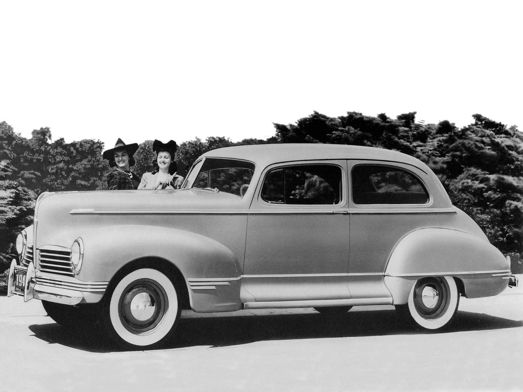 Hudson Deluxe Six Club Sedan 1942 Picture » ModifiedCars.
