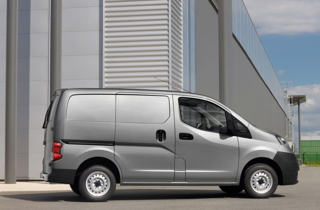 Nissan NV200 Has Been Voted International Van Of The Year 2010