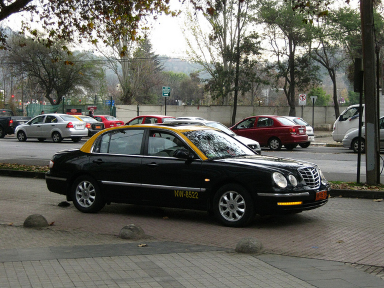 Kia Opirus taxi, Santiago, Chile | Flickr - Photo Sharing!