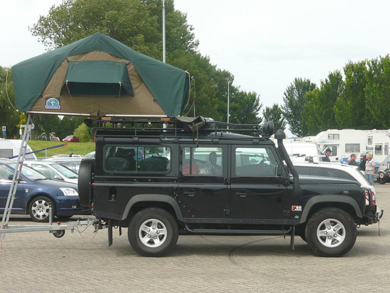 topworldauto photos of land rover defender 110 td5. Black Bedroom Furniture Sets. Home Design Ideas
