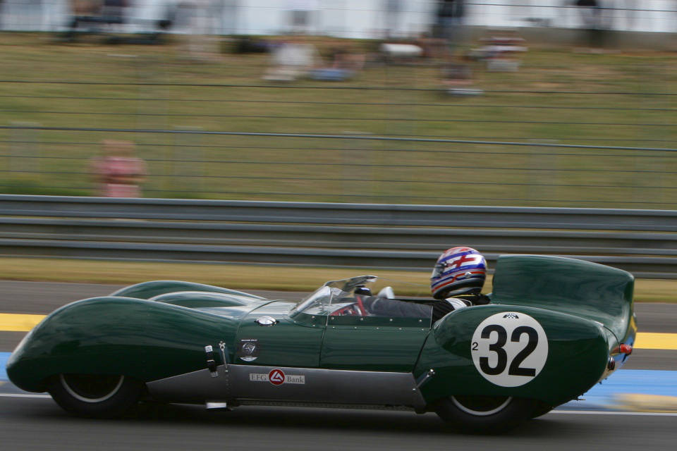 Lotus XI: Description of the model, photo gallery, modifications ...