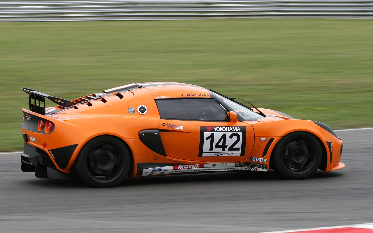 Orange Lotus Exige - Snetterton Circuit | Flickr - Photo Sharing!