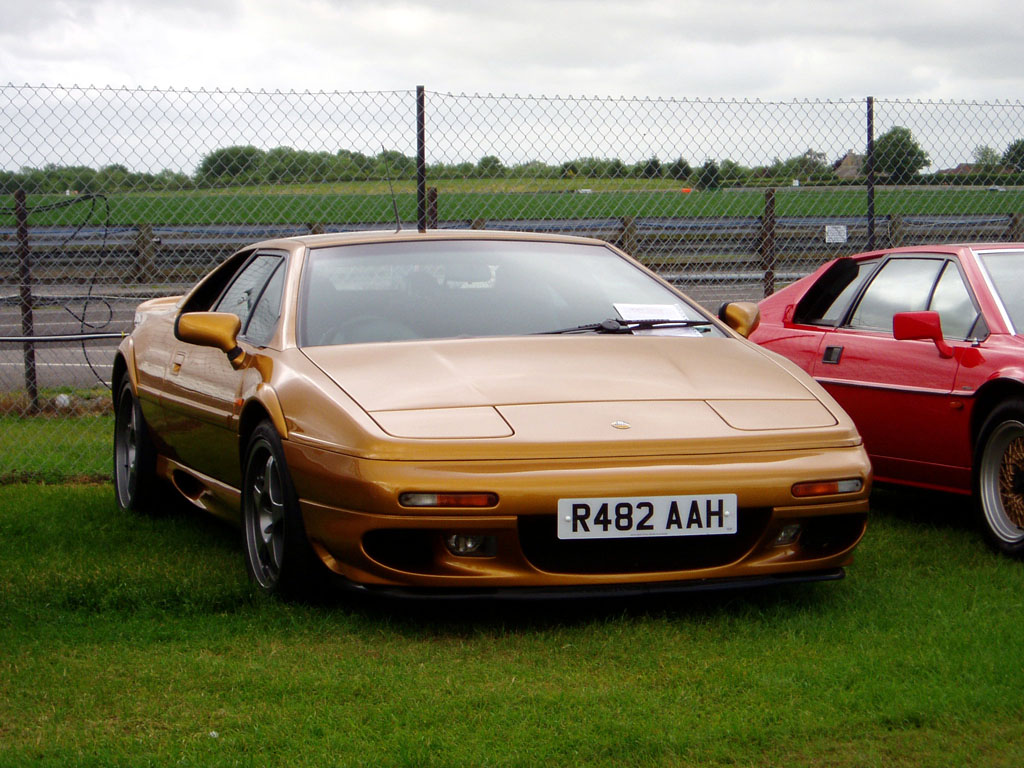 Lotus Esprit GT V8: Photo gallery, complete information about ...