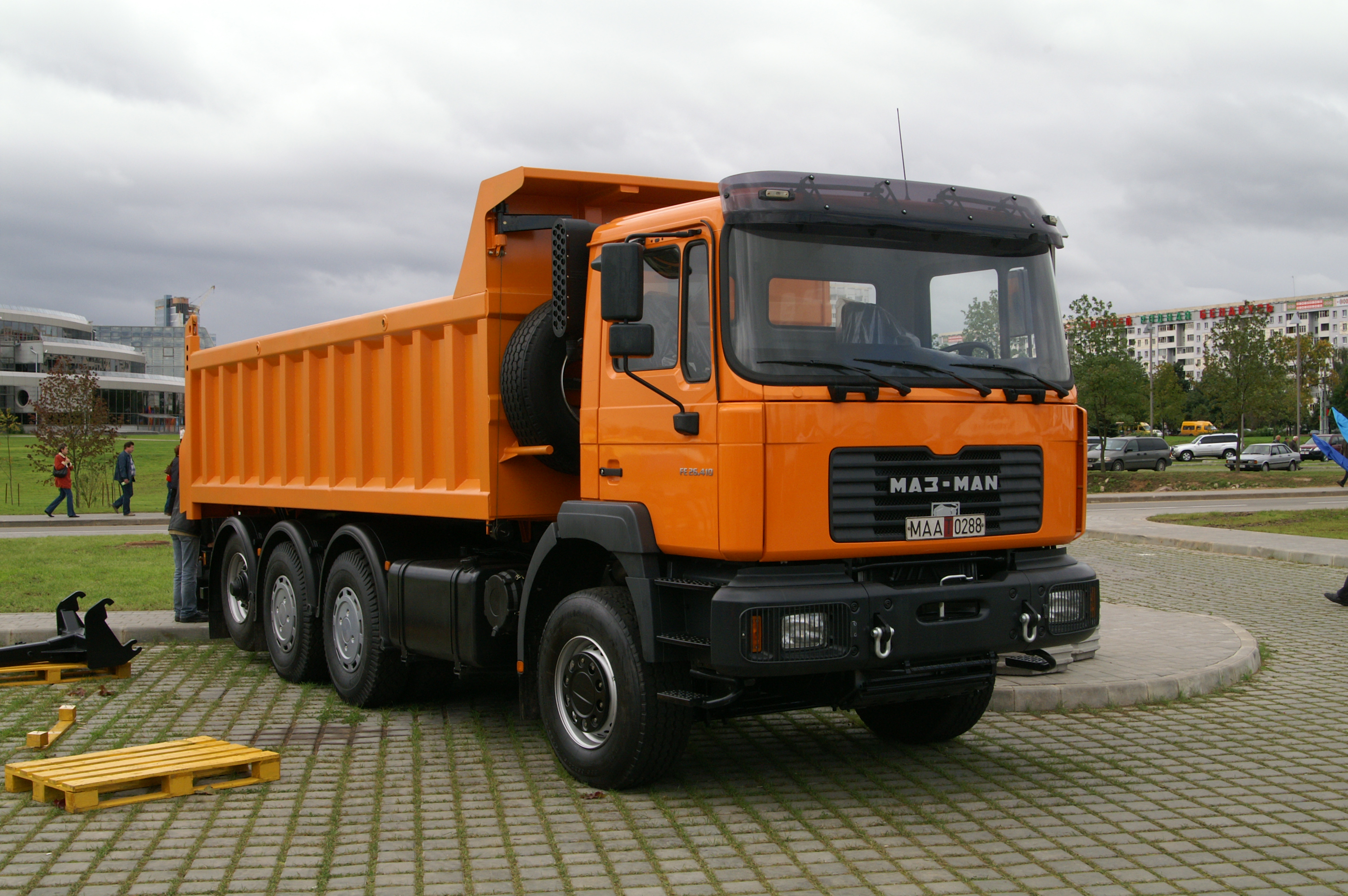 File:MAZ-MAN truck.JPG - Wikimedia Commons