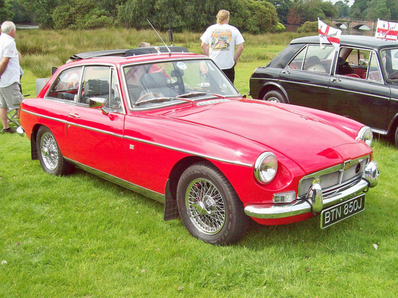 topworldauto photos of mg mgb gt photo galleries. Black Bedroom Furniture Sets. Home Design Ideas