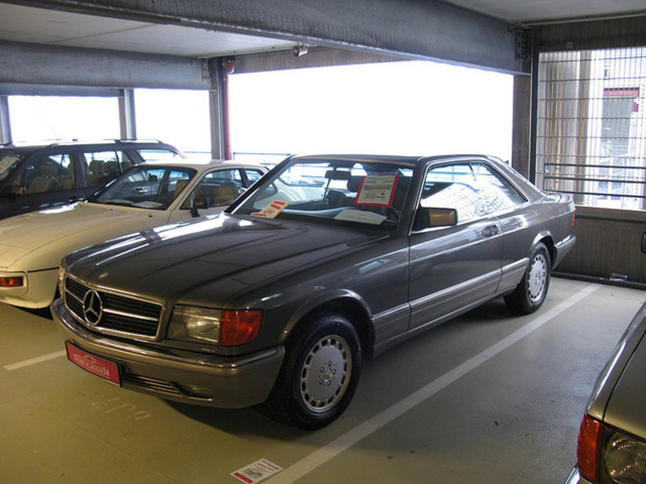 Flickr: The Mercedes-Benz W126 Pool