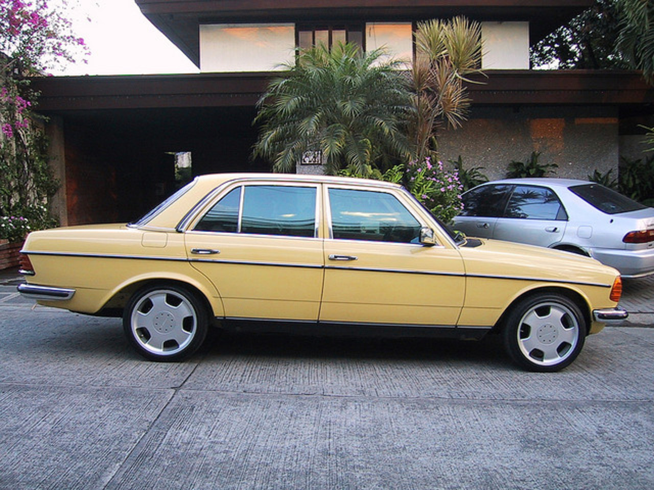 1983 Mercedes Benz W123 280E - 100-0042_IMG | Flickr - Photo Sharing!