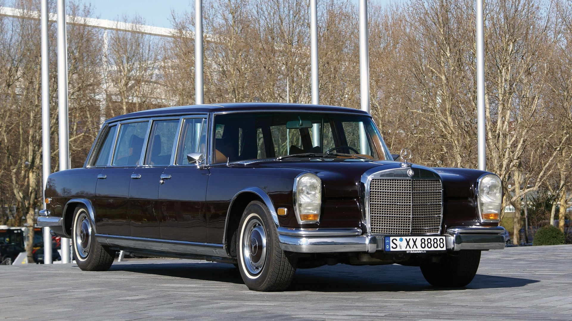Topworldauto photos of mercedes benz 600 pullman for Mercedes benz pullman